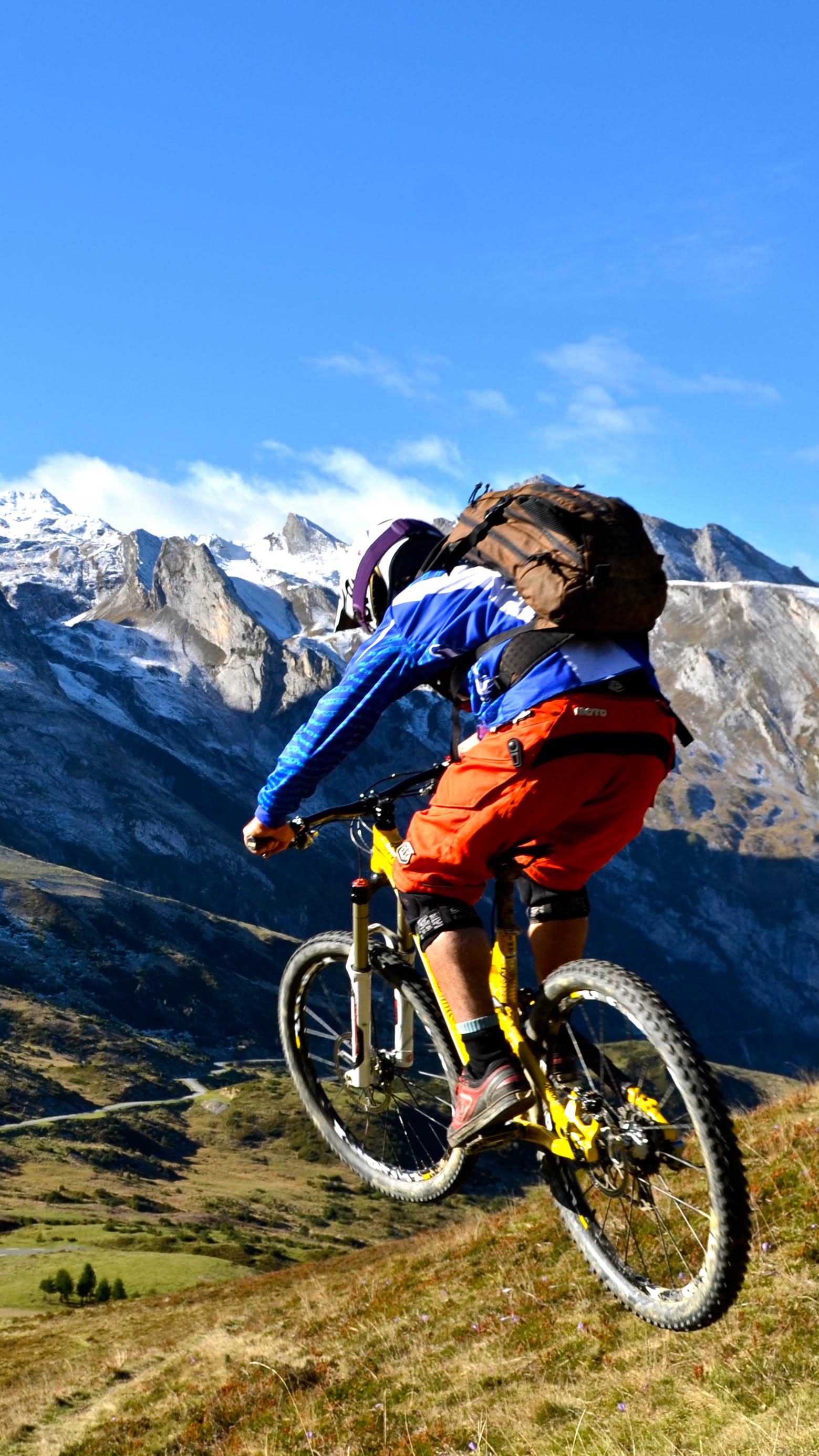 vtt mountain 3WallpapersiPhoneParallax VTT Mountain