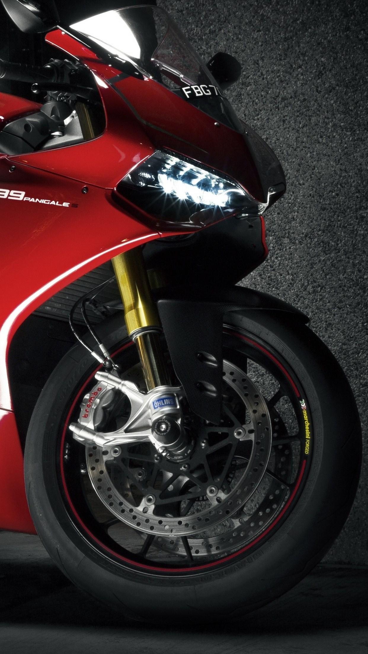 moto ducati 3Wallpapers iPhone Parallax Moto Ducati