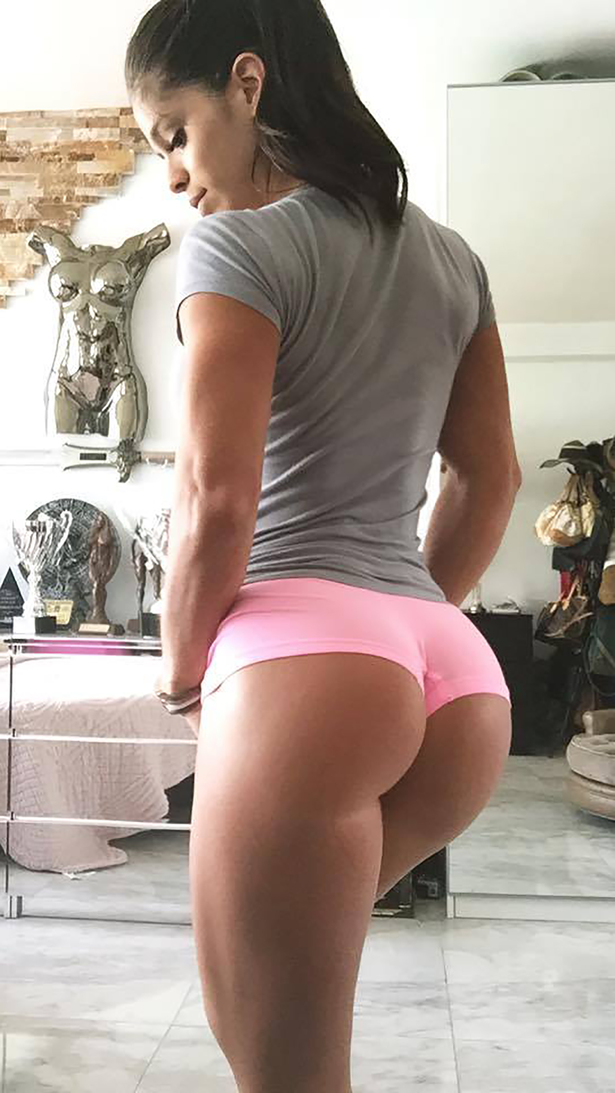 Michelle Lewin Butts 3Wallpapers iPhone Parallax Michelle Lewin : Butts
