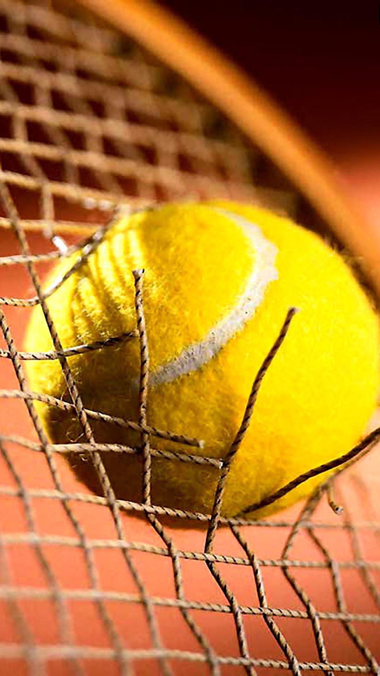 Tennis Ball 1 3Wallpapers iPhone Parallax Tennis Ball : 1