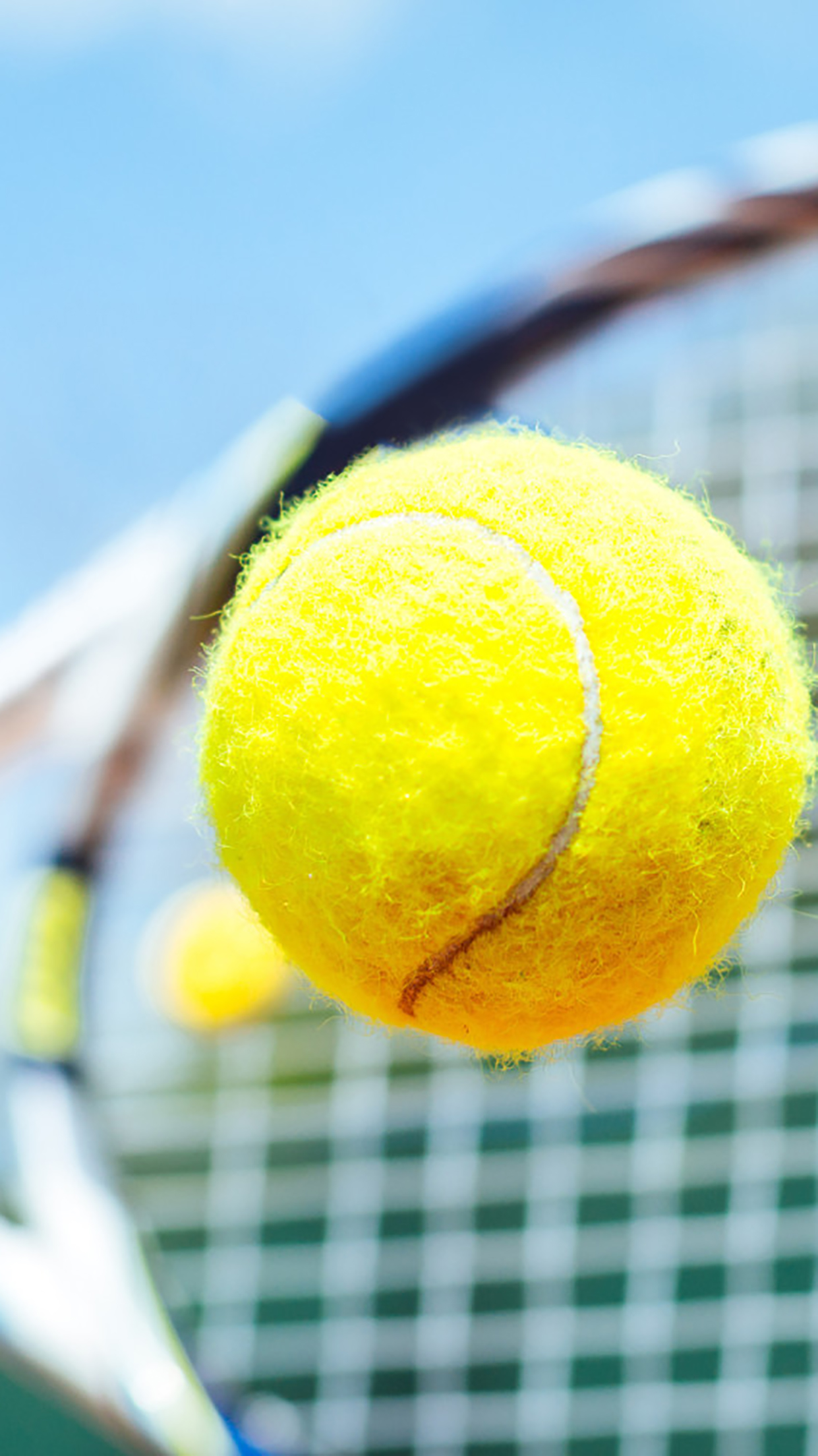 Tennis Ball In The Air 3Wallpapers iPhone Parallax Tennis Ball : In The Air