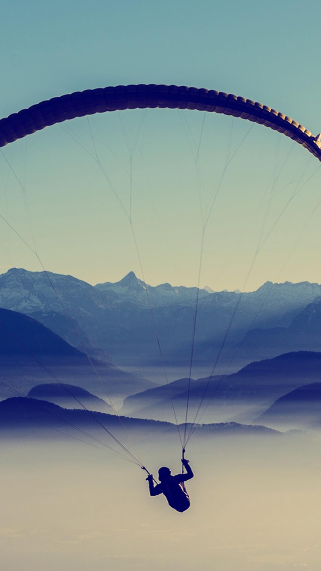 paragliding sky flight 91710 1080x1920 3Wallpapers : notre sélection de fonds d'écran du 18/09/2017