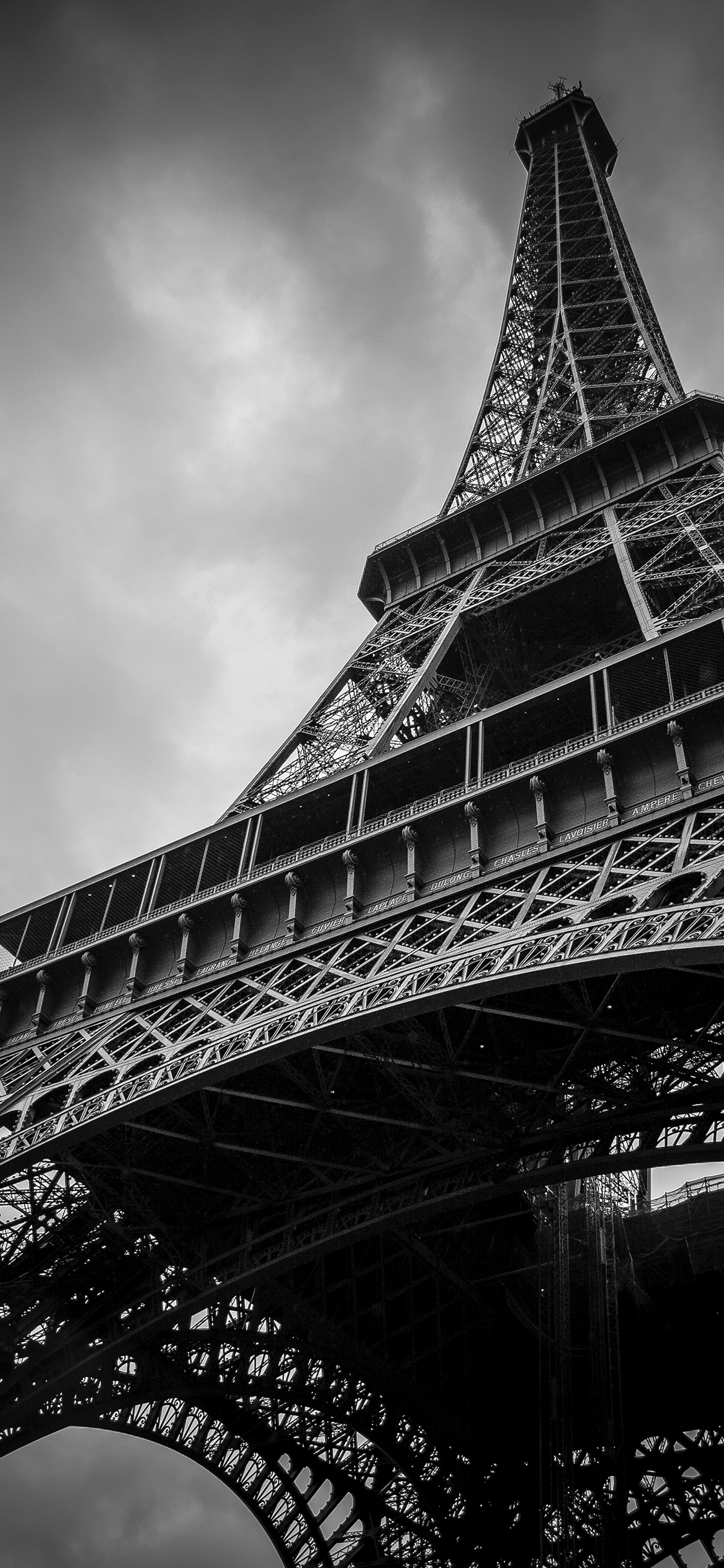 iPhone wallpaper black and white eiffel tower Fonds d'écran iPhone du 13/08/2018