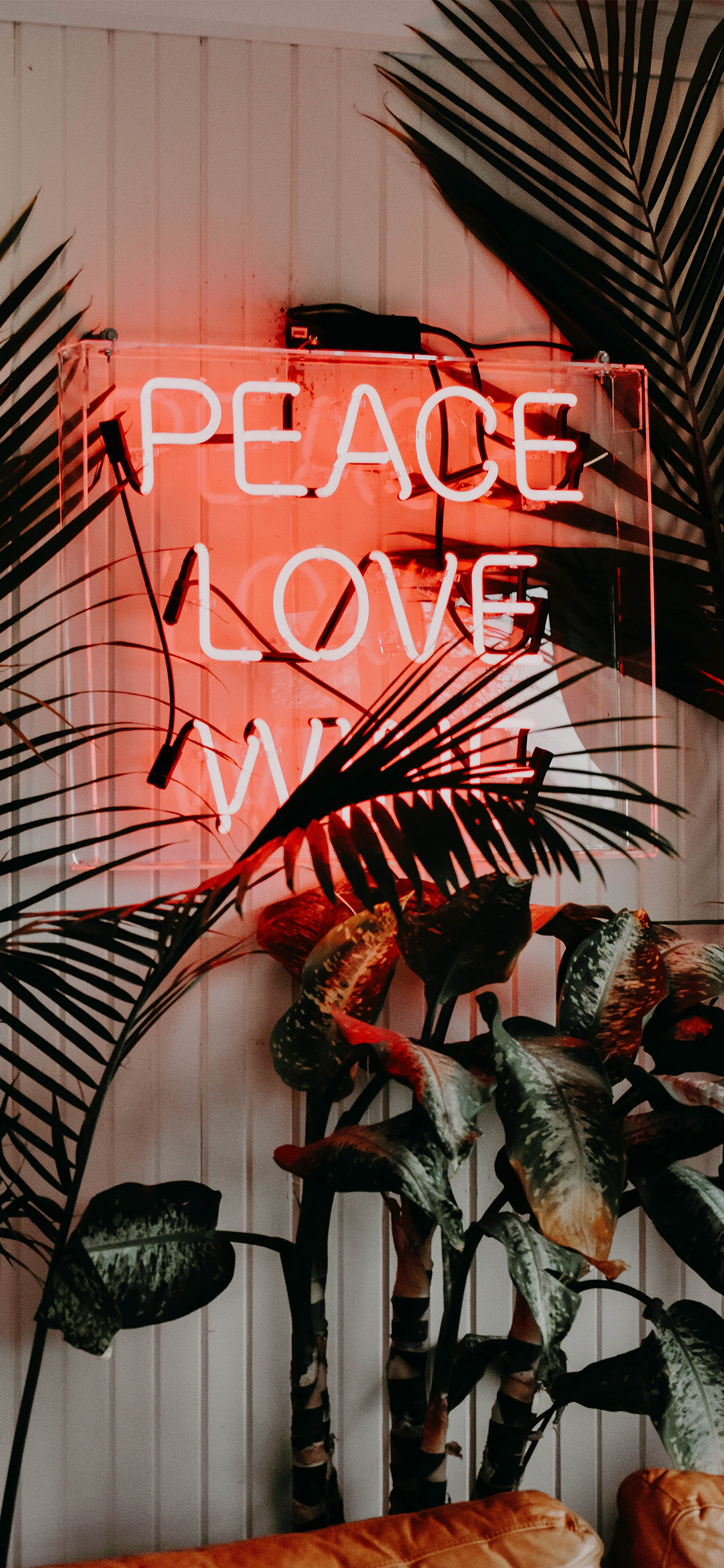 iPhone wallpaper neon sign peace love Fonds d'écran iPhone du 19/10/2018