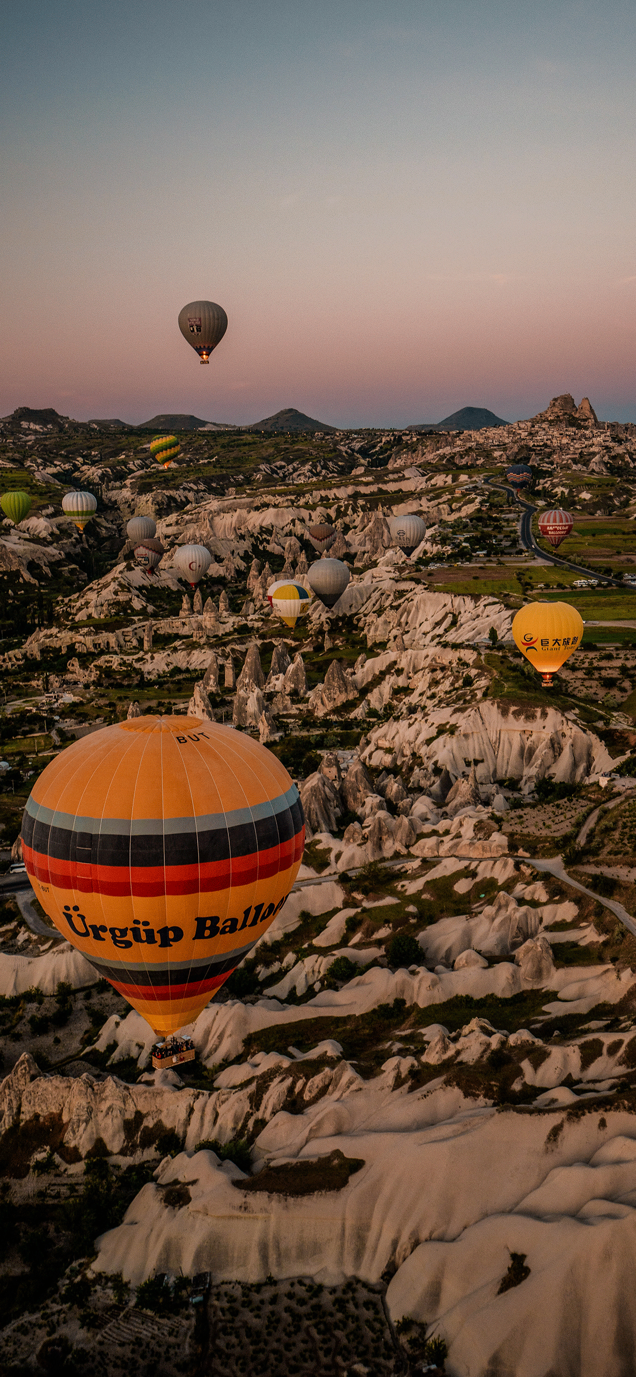 iPhone wallpapers balloons mountains Fonds d'écran iPhone du 22/07/2019